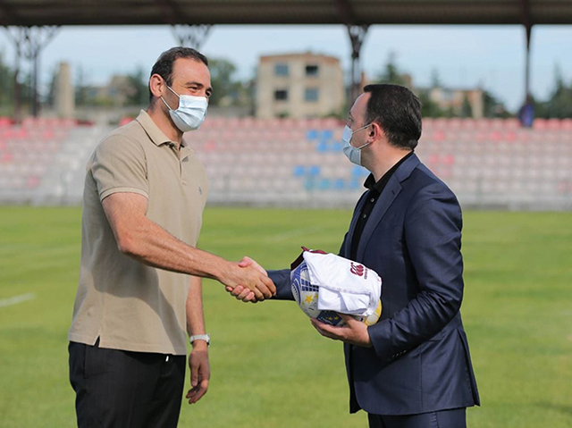 PM of Georgia meets Georgian Rugby Legend Mamuka Gorgodze